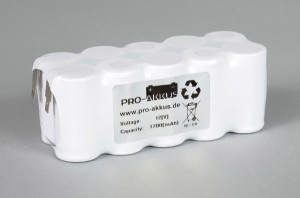Ni-Cd Akkupack Notlicht Notbeleuchtung 12V / 1700mAh (1,7Ah) F5x2 Reihe, Faston Anschlüsse