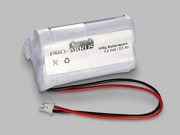 Alkaline Batteriepack 4,5V AA Dreieck mit Kabel und Stecker