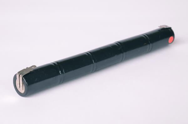 Akkupack Notlicht Notbeleuchtung 6V / 4Ah Stabform mit Faston Anschlüssen
