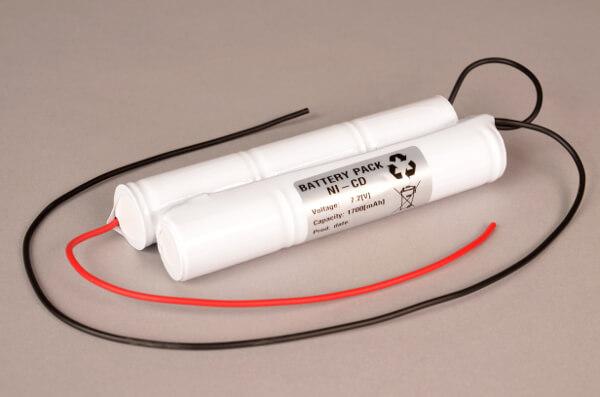 Akkupack Notlicht Notbeleuchtung 7,2V / 1700mAh (1,7Ah) 2x 3er Stange mit Kabel