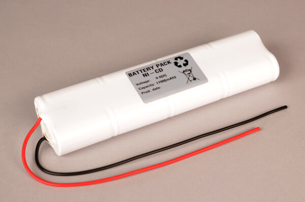 Ni-Cd Akkupack Notlicht / Notbeleuchtung 9,6V / 1700mAh (1,7Ah) L4x2 Stab mit Kabel